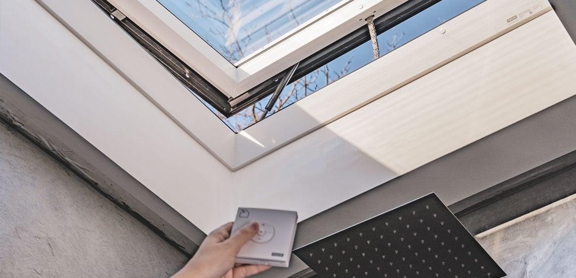 Lapostetős ablak automata szellőztetővel